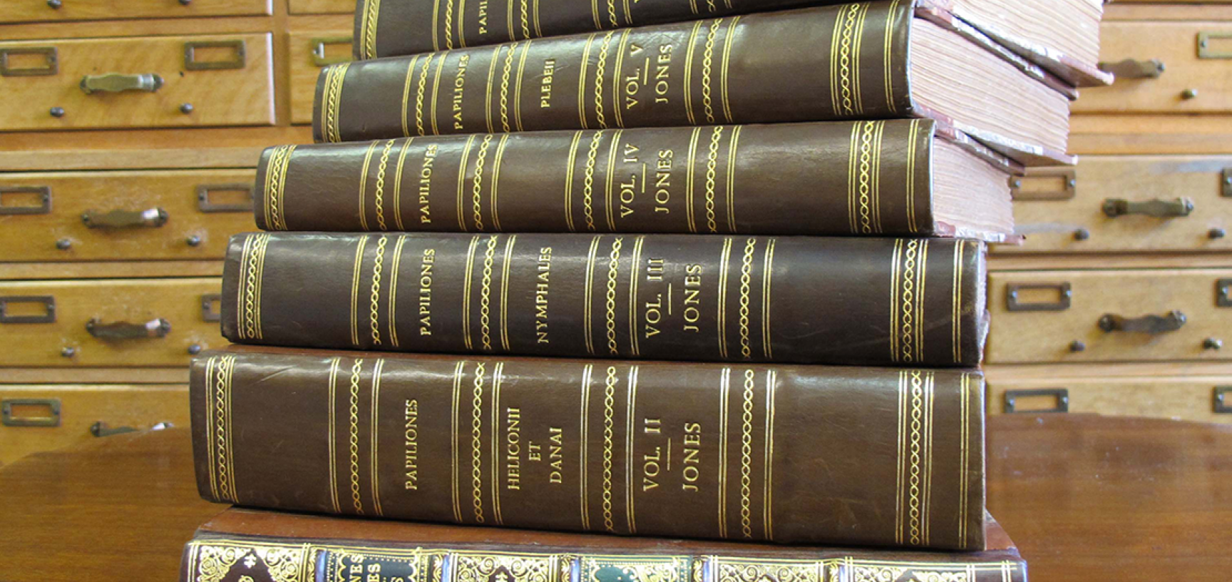 Jones volumes